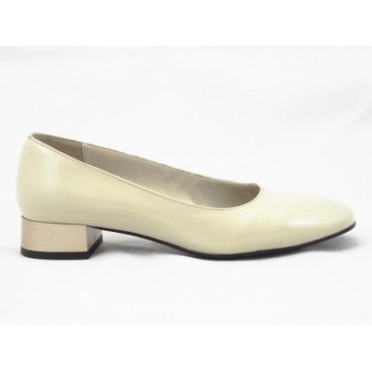 Pantofi dama bej din piele naturala lacuita , cu toc de 3 cm, (PANTOROM PD 540-6)