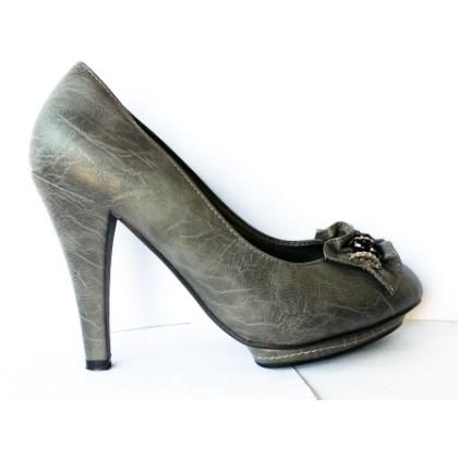 Pantofi dama  gri, cu platforma, toc de 8 cm, material imitatie piele, cu model frontal, (PLATINI GRI 7018-11 (LU)-70)