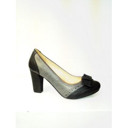 Pantofi dama  negru & gri, eleganti , cu platforma si toc de 7 cm, material imitatie piele, cu accesoriu fata tip fundita, (SANOWAY 7907-1-84)