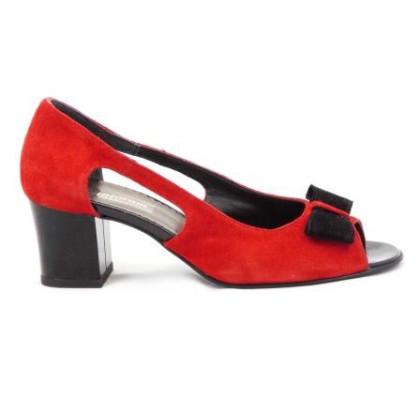 Pantofi dama rosii din piele antilopa cu varf din piele neagra, decupati, accesorizati cu o fundita eleganta neagra, cu toc de 5 cm., (ROMA PDV  538-27)
