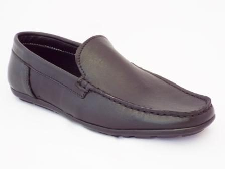 Pantofi barbati negri din piele naturala, talpa sport.