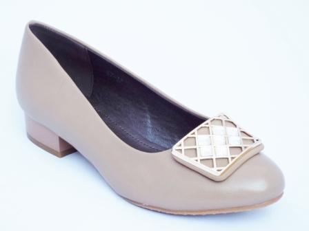 Pantofi dama bej cu toc de 3 cm