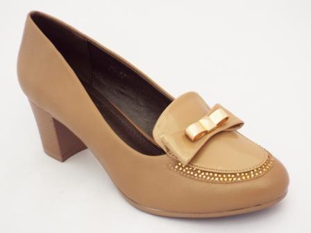 Pantofi dama bej cu toc de 5 cm si strasuri