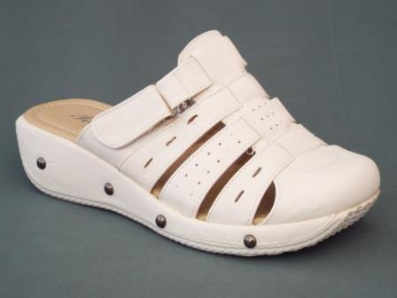 Papuci dama albi cu prindere tip arici