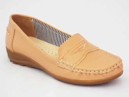 Pantofi femei bej Yna cu talpa joasa