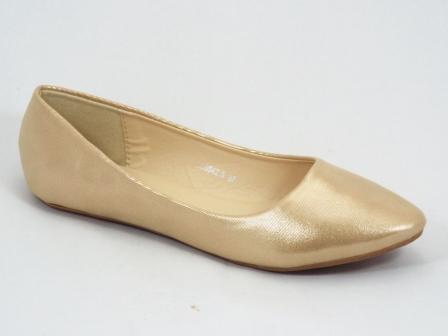 Balerini dama aurii Serra