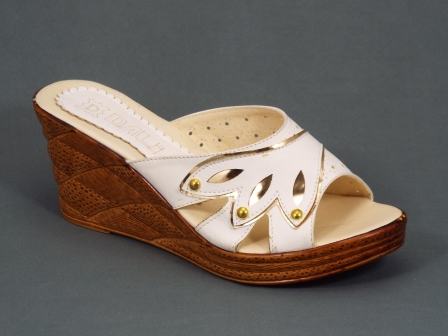 Papuci dama bej ortopedici toc 7 cm Gynne