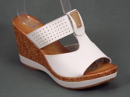 Papuci dama albi ortopedici toc 9 cm Volle