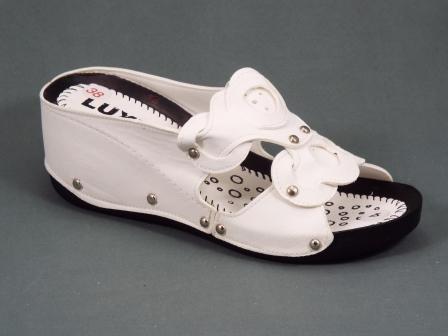 Papuci dama albi ortopedici toc 6 cm Tenta