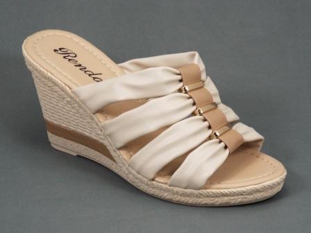 Papuci dama bej ortopedici toc 9 cm Flora