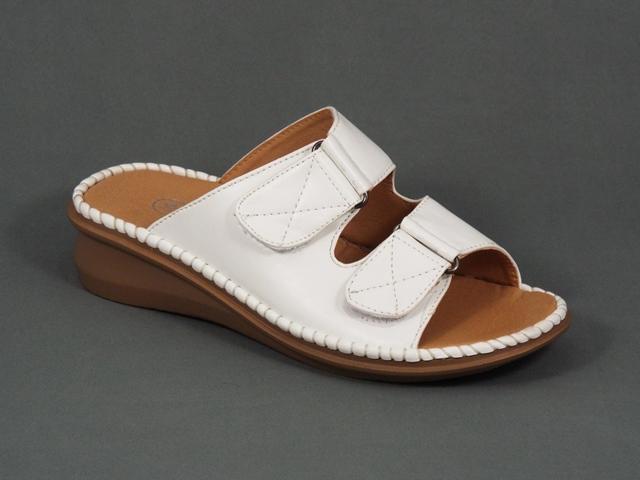 Papuci dama albi ortopedici toc 4 cm Tyna