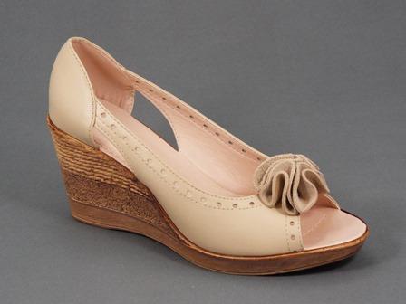 Sandale dama piele bej ortopedice toc 7,5 cm Romyna