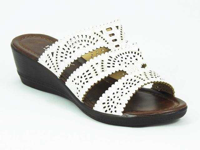 Papuci dama albi Marietta