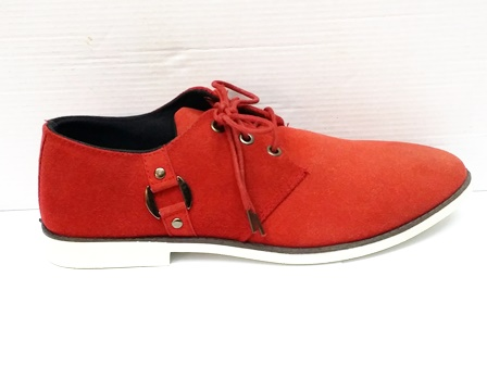 Pantofi barbati rosii,sport, cu talpa comfortabila alba.