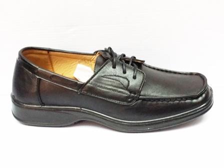 Pantofi barbati negri,cu siret si talpa comfortabila.
