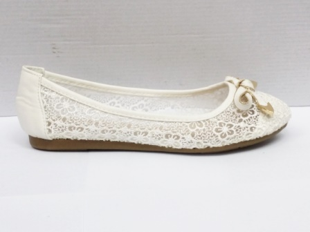 Balerini dama albi, dantela, cu accesoriu auriu