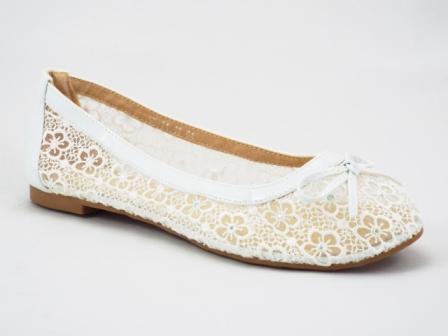 Balerini dama albi din panza transparenta fina accesorizati cu pietre tip swarovski, cu interior din piele naturala