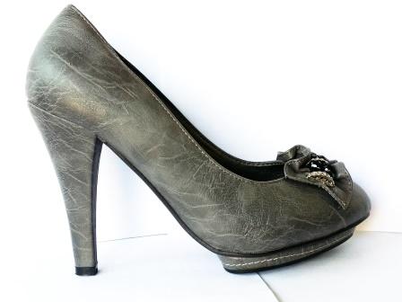 Pantofi dama gri, cu platforma, toc de 8 cm, material imitatie piele, cu model frontal