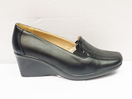 Pantofi dama negri eleganti cu talpa ortopedica si insertie de material lacuit
