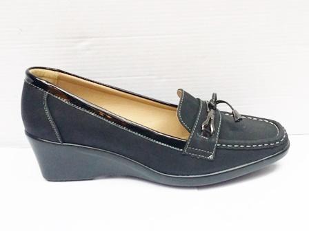 Pantofi dama negri eleganti cu talpa ortopedica si accesoriu metalic