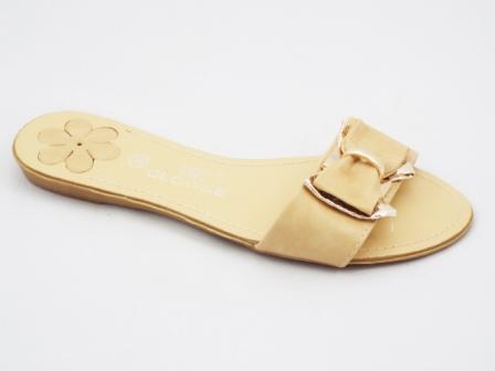 Papuci dama bej cu funda si accesoriu auriu