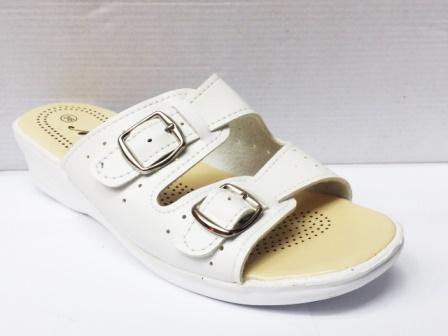 Papuci dama albi, cu doua catarame.
