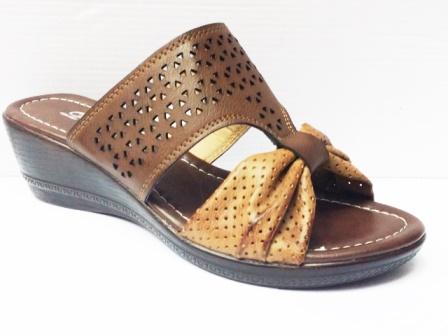 Papuci dama maro, perforati, cu talpa ortopedica