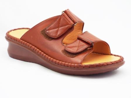Papuci dama maro, cu prindere pe sistem tip arici,