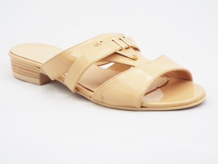 Papuci dama bej cu accesoriu metalic auriu