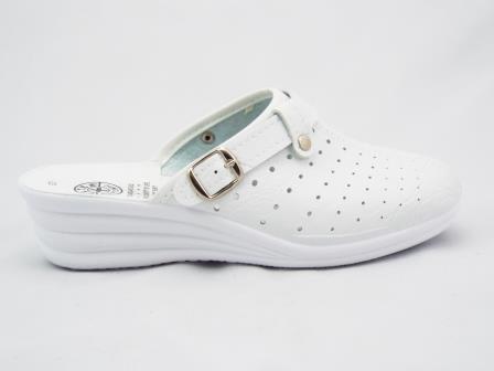 Saboti dama albi medicinali, cu profil ergonomic, din material perforat, deosebit de comozi.