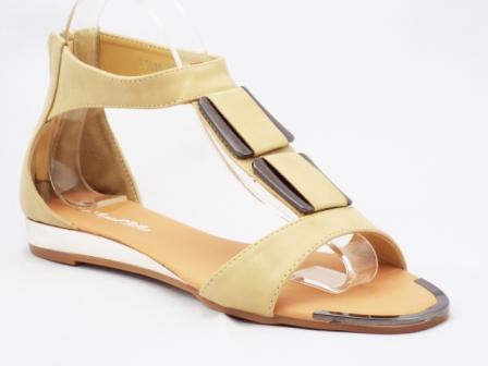 Sandale dama bej, decorate cu accesorii metalice