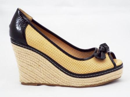 Sandale dama bej cu negru, material perforat cu talpa ortopedica si accesoriu tip fundita