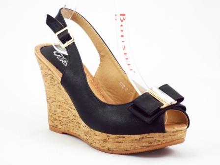 Sandale dama negre cu talpa ortopedica si accesoriu metalic auriu cu piatra