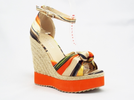 Sandale dama portocalii cu bej, talpa ortopedica si insertii de culoare tip pastel.