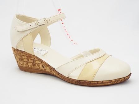 Sandale dama bej, piele naturala, talpa ortopedica tip pluta.