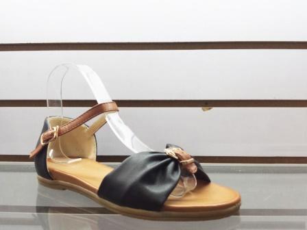 Sandale dama negre cu accesoriu tip catarama