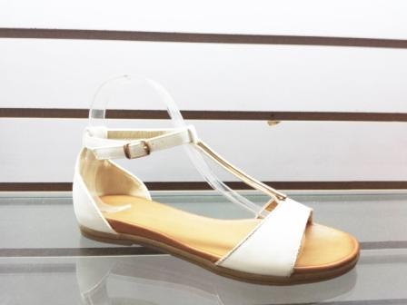 Sandale dama albe cu accesoriu auriu