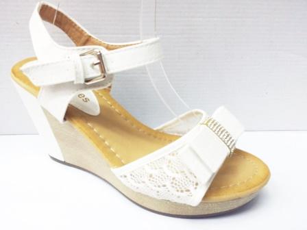 Sandale dama albe, talpa ortopedica si accesoriu cu strasuri in fata