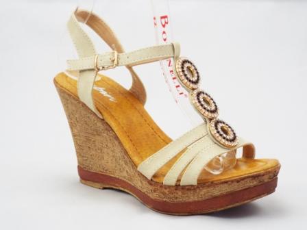 Sandale dama bej, ortopedice, cu accesoriu trei strasuri