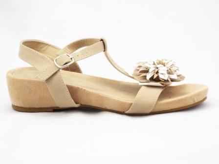 Sandale dama bej, ortopedice, cu accesoriu tip floare.