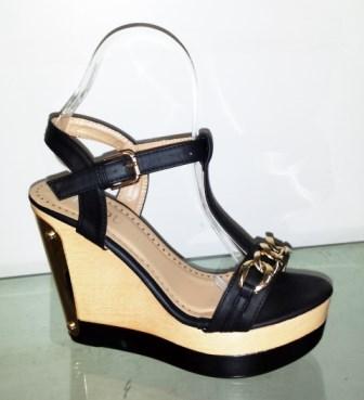 Sandale dama negre cu talpa ortopedica si accesorii metalice aurii fata si spate