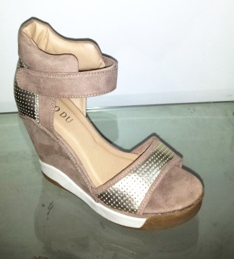 Sandale dama bej cu auriu cu platforma