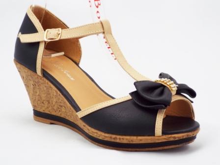 Sandale dama negre cu bej, cu talpa ortopedica si accesoriu tip funda cu strasuri