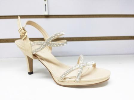 Sandale dama bej, cu toc de 6 cm, elegante, cu strasuri argintii