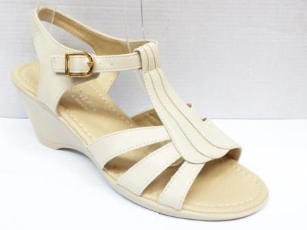 Sandale dama bej , toc de 5 cm, ortopedice, model trei barete.
