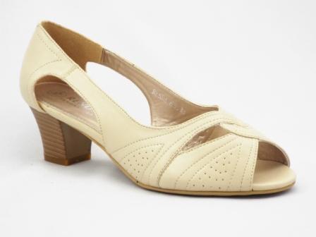 Sandale dama bej , toc de 6 cm.