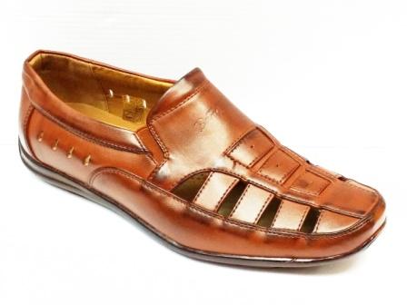 Sandale barbati maro cu zone perforate