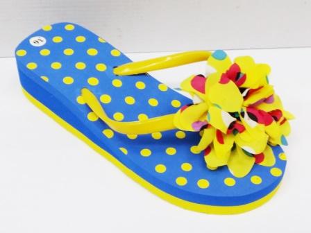 Papuci dama albastri cu galben,de plaja, cu accesoriu tip floare
