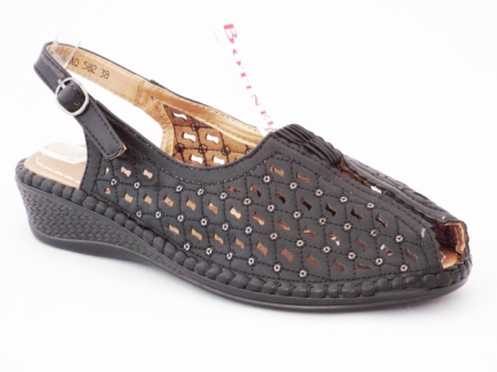 Sandale dama negre , perforate, toc de 3 cm, ortopedice