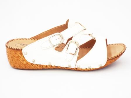 Papuci dama albi, cu doua catarame reglabile